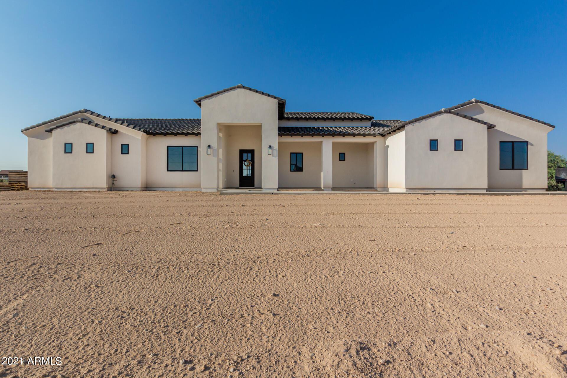 Photo of 748 W RYAN Way, San Tan Valley, AZ 85143 (MLS # 6295502)