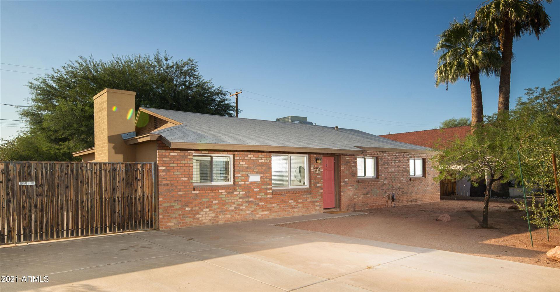 Photo of 1626 S MARILYN ANN Drive, Tempe, AZ 85281 (MLS # 6307503)