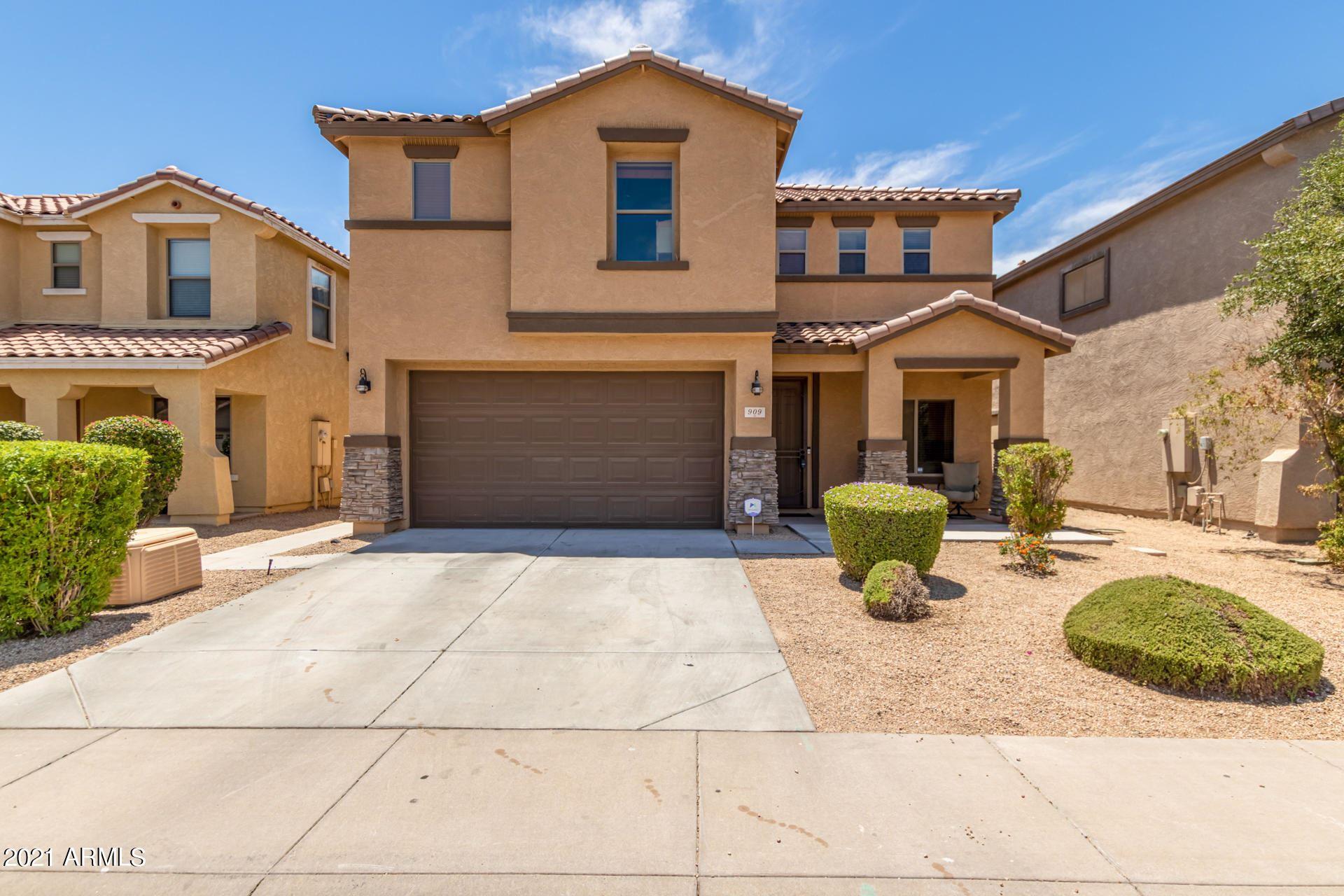Photo of 909 E CORRALL Street, Avondale, AZ 85323 (MLS # 6246514)