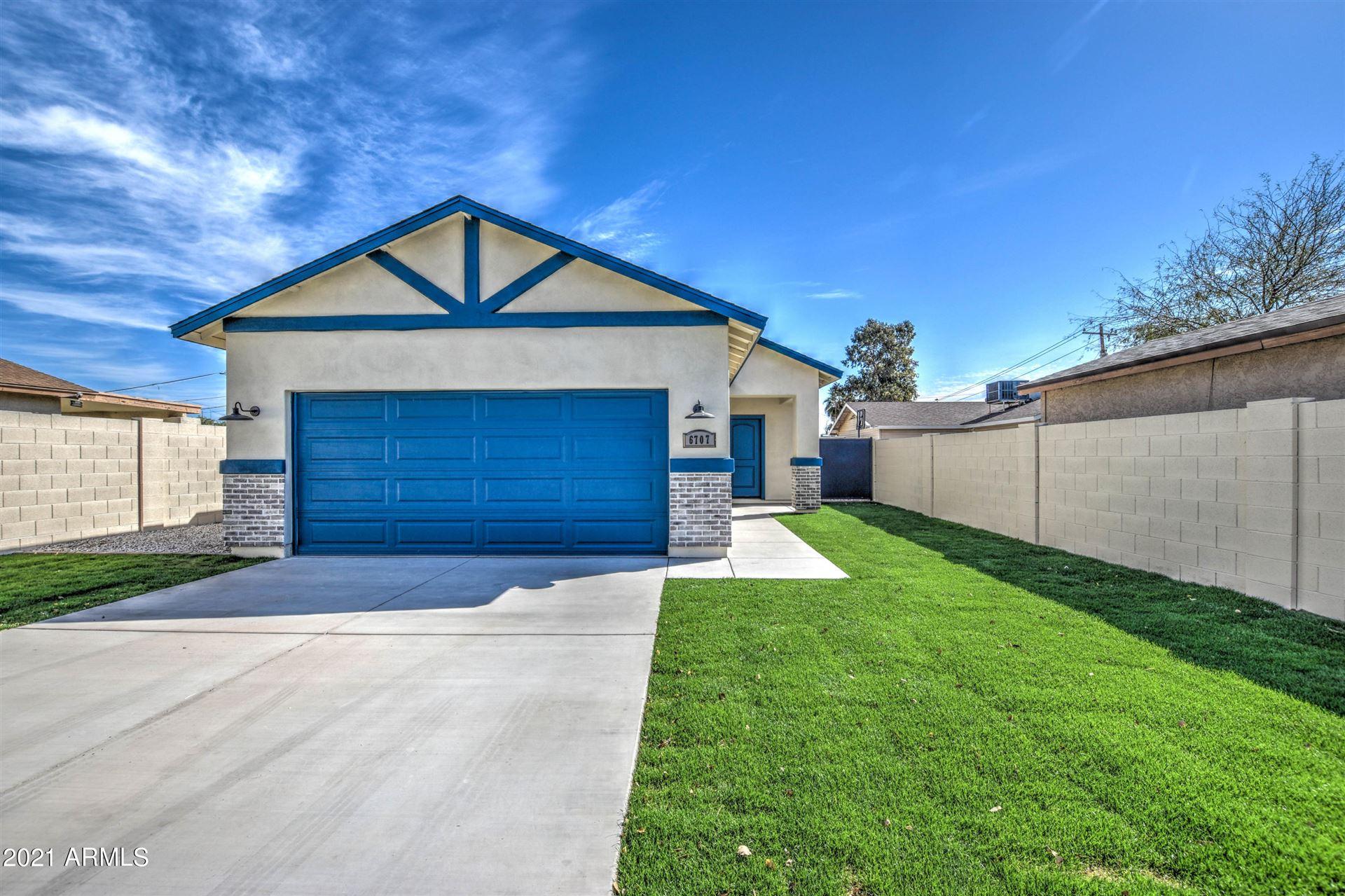 Photo of 6707 N 61ST Avenue, Glendale, AZ 85301 (MLS # 6188516)