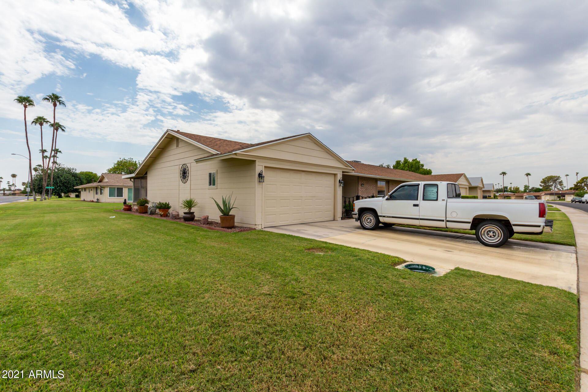 Photo of 10401 W PRAIRIE HILLS Circle, Sun City, AZ 85351 (MLS # 6295521)