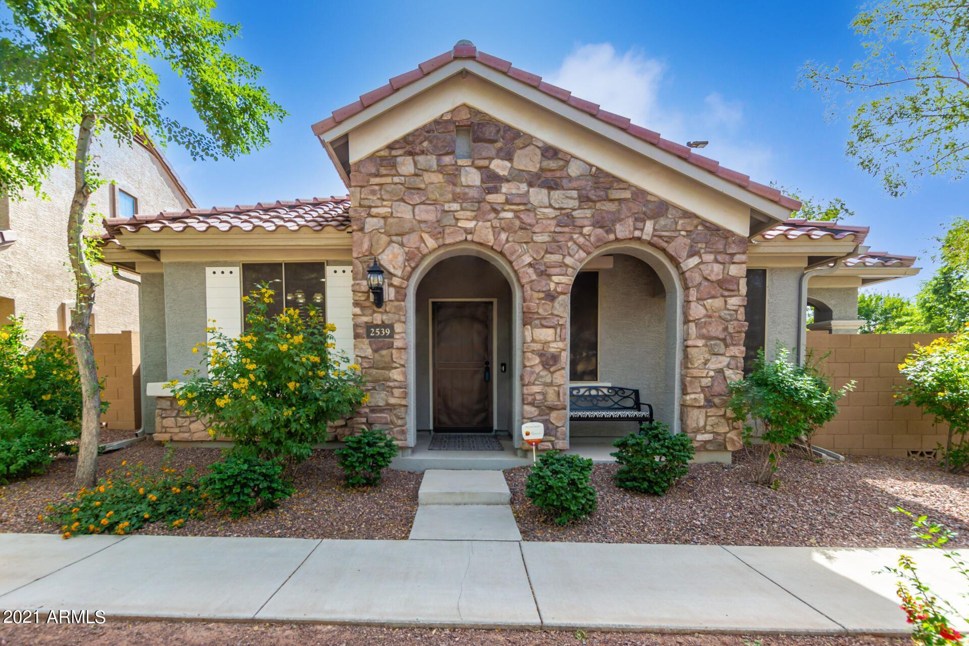 Photo of 2539 S PENROSE Drive, Gilbert, AZ 85295 (MLS # 6307528)
