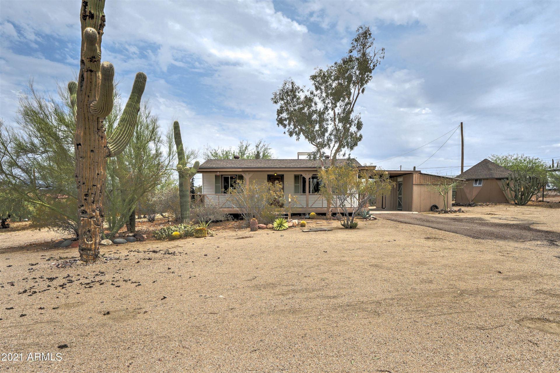 Photo of 2426 W ROUGHRIDER Road, New River, AZ 85087 (MLS # 6265531)