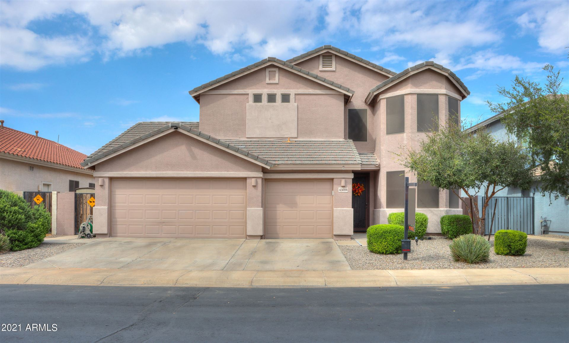 Photo of 43614 W CYDNEE Drive, Maricopa, AZ 85138 (MLS # 6295533)