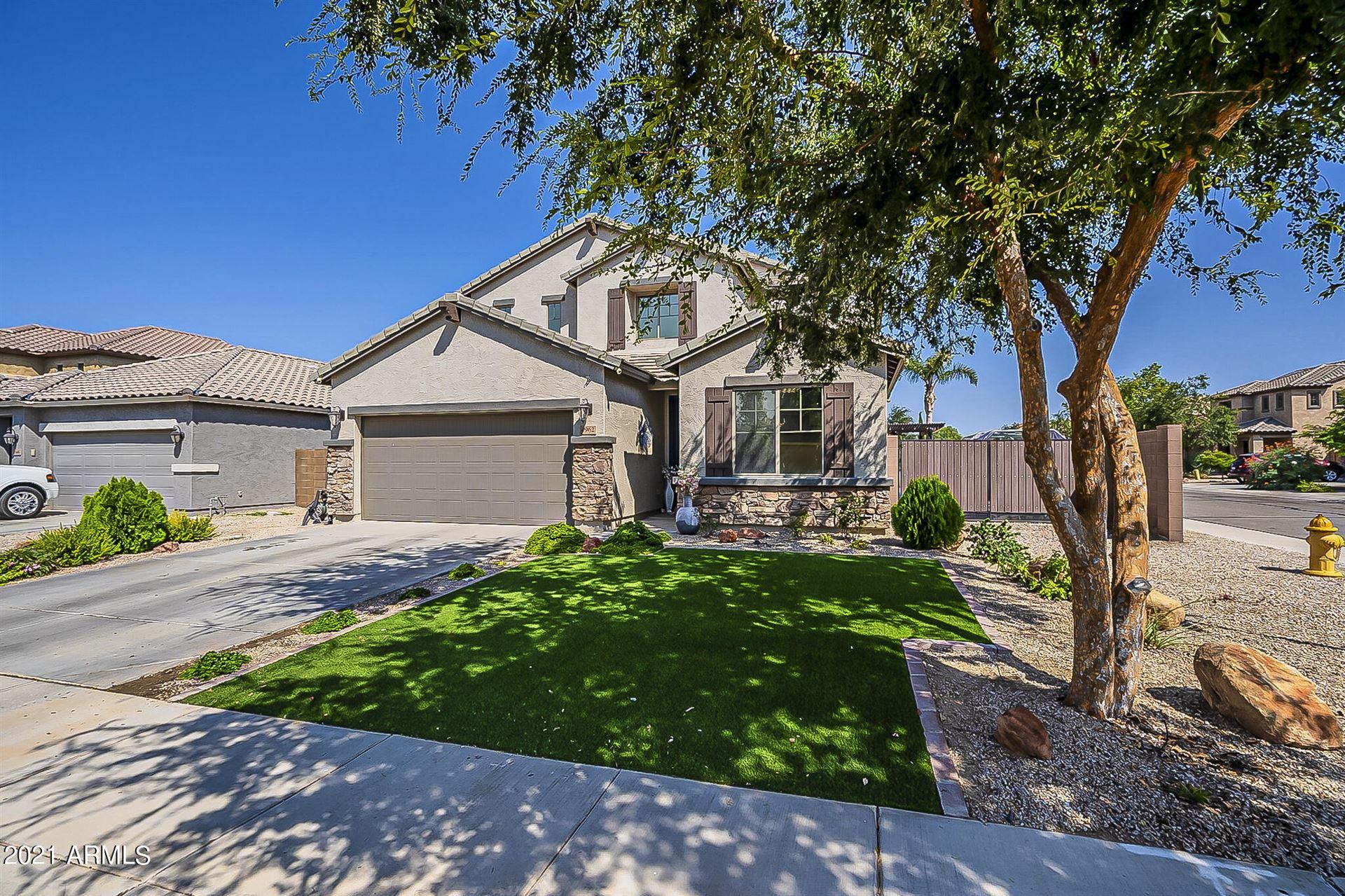 Photo of 4962 E DEL RIO Drive, San Tan Valley, AZ 85140 (MLS # 6293535)