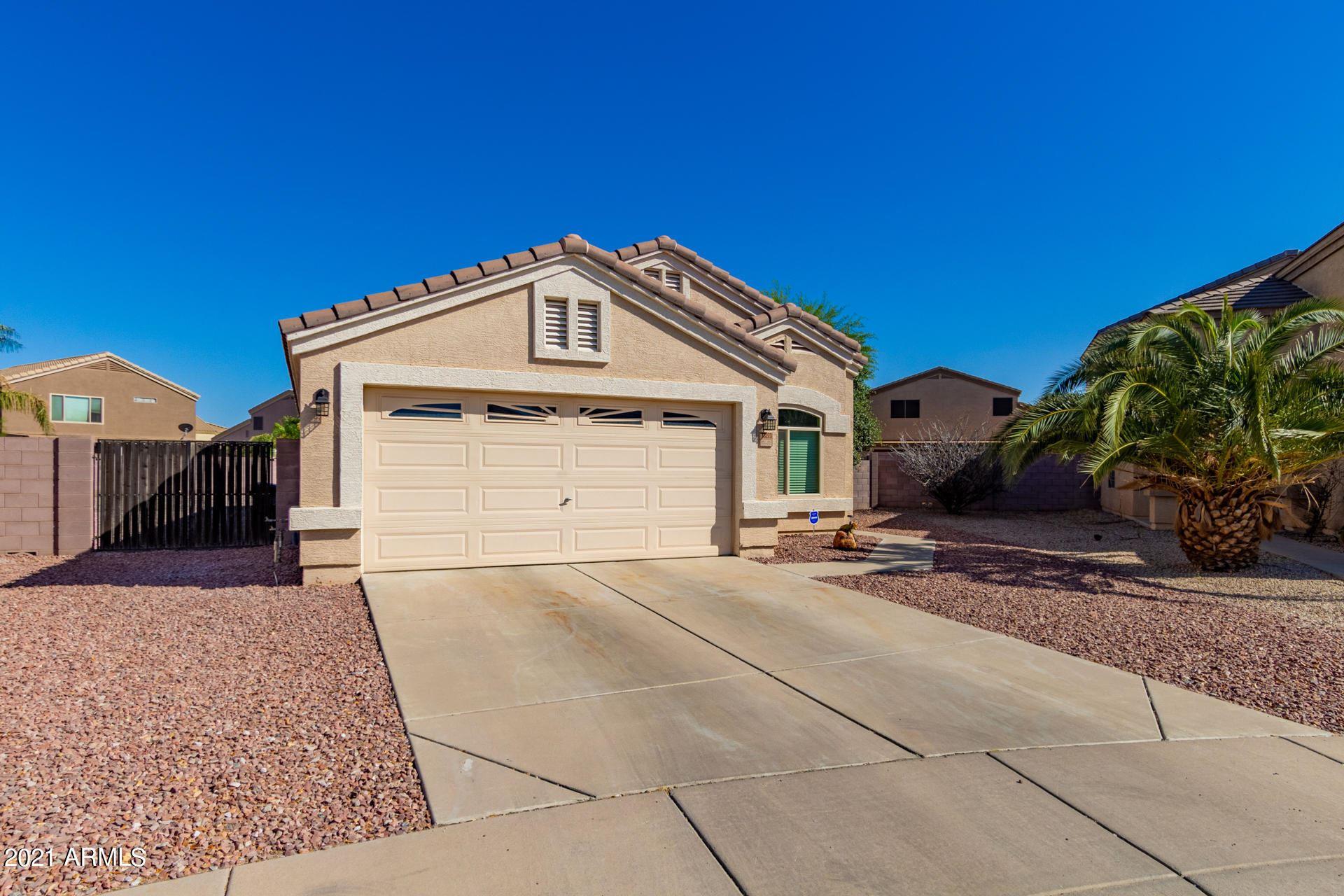 Photo of 33273 N WINDMILL Run, Queen Creek, AZ 85142 (MLS # 6248539)
