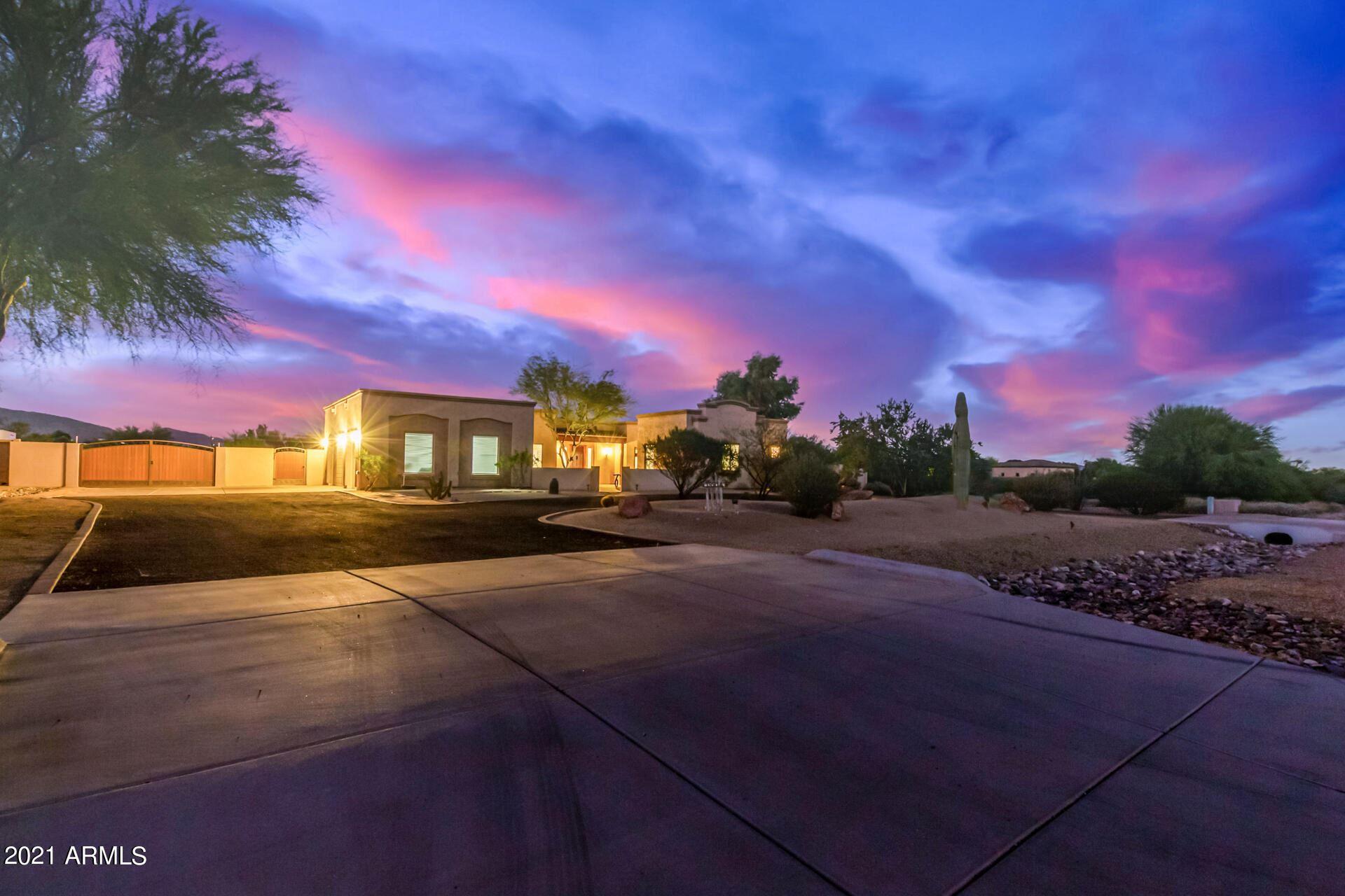 Photo of 19914 W WHITTON Avenue, Buckeye, AZ 85396 (MLS # 6307544)