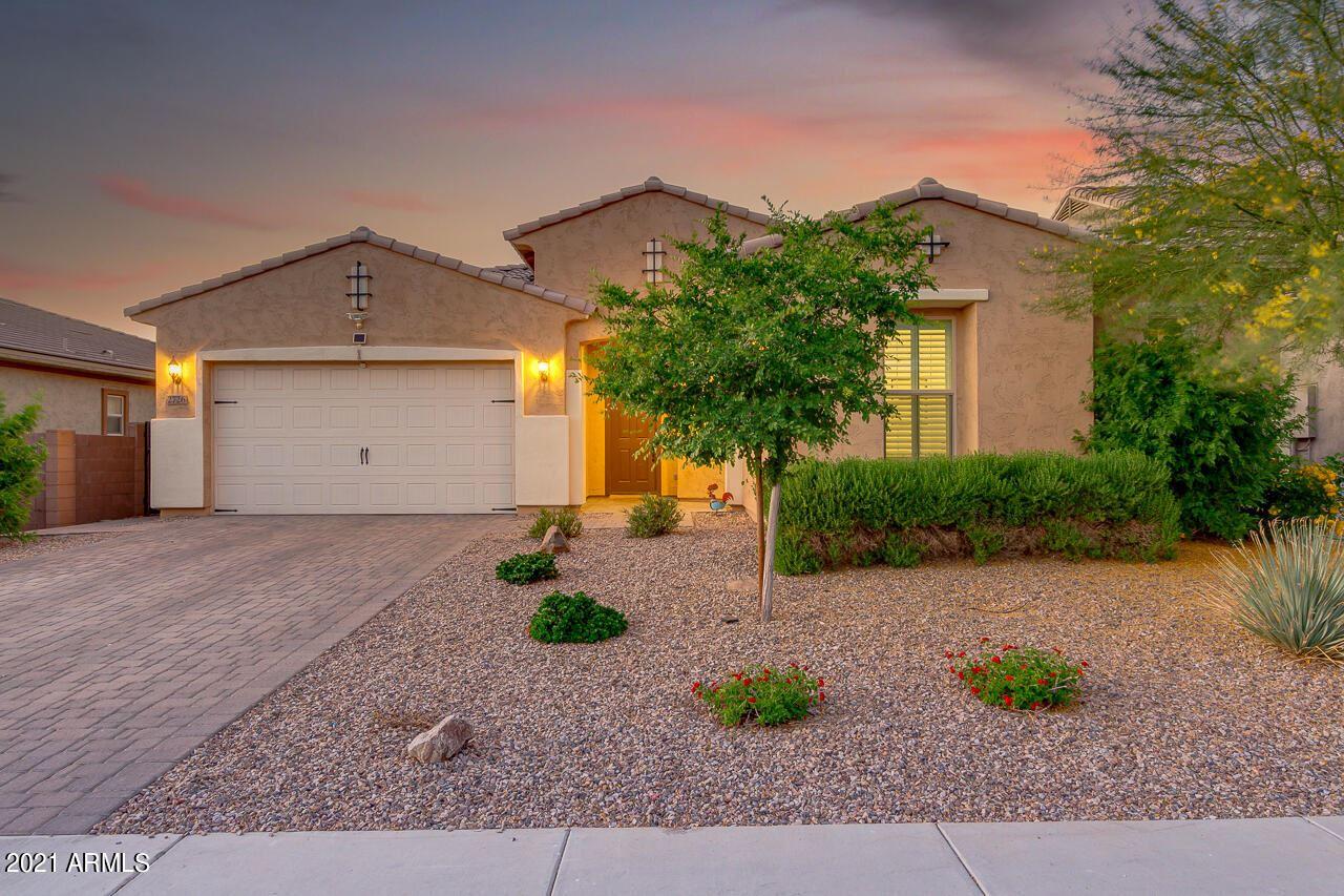 Photo of 2726 E LA COSTA Drive, Gilbert, AZ 85298 (MLS # 6232546)