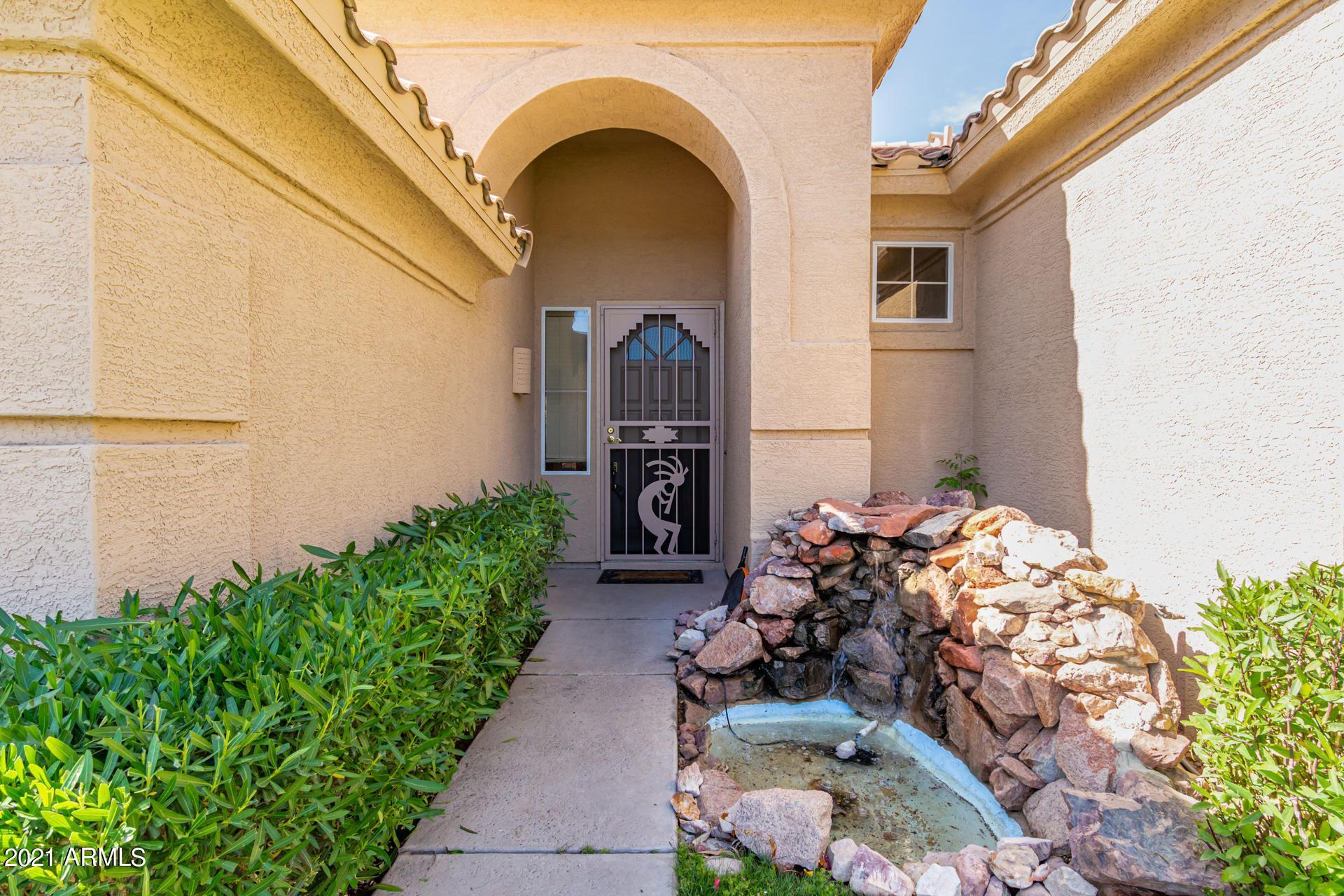Photo of 471 W LARONA Lane, Tempe, AZ 85284 (MLS # 6232558)