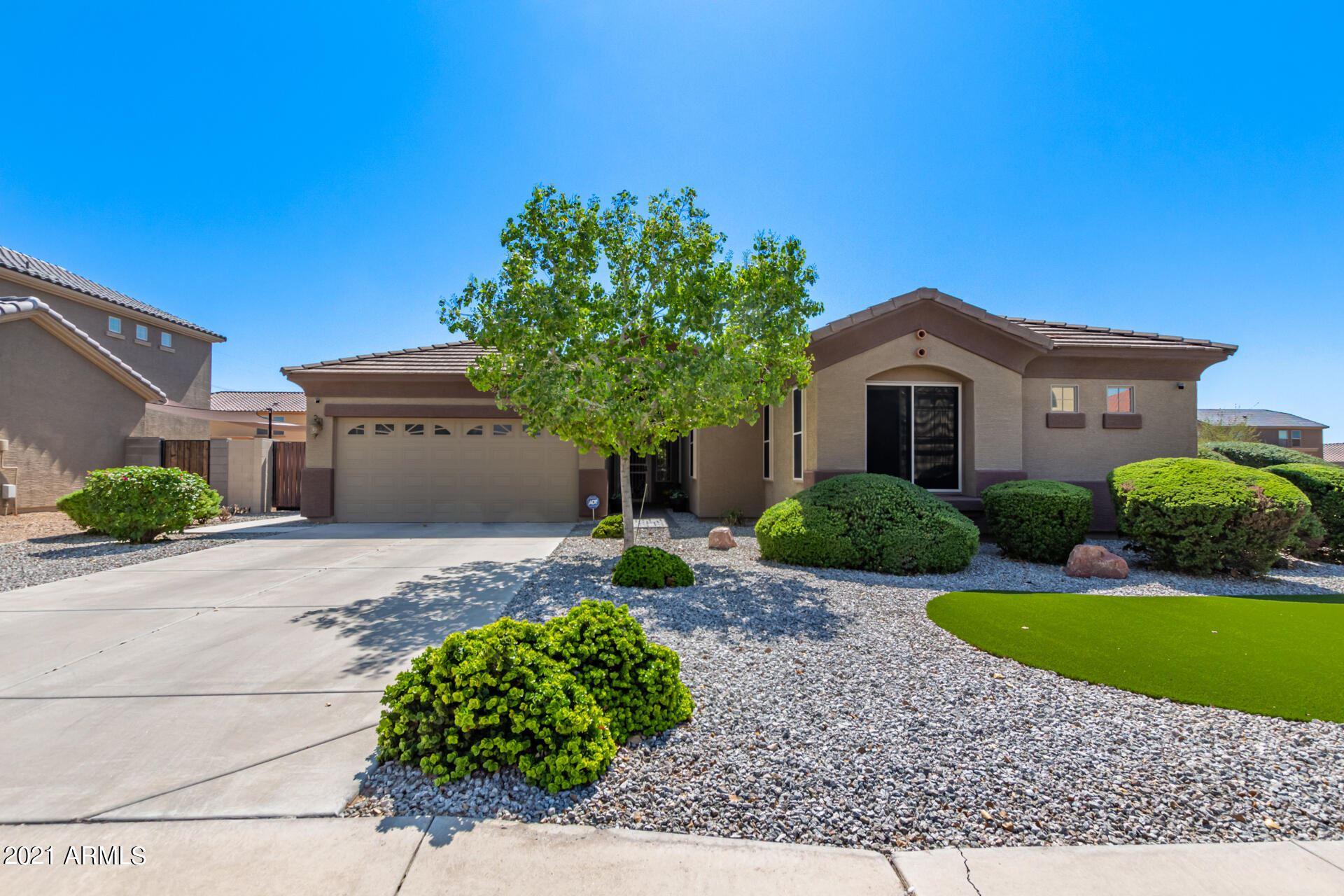 Photo of 12159 W PIONEER Street, Tolleson, AZ 85353 (MLS # 6302558)