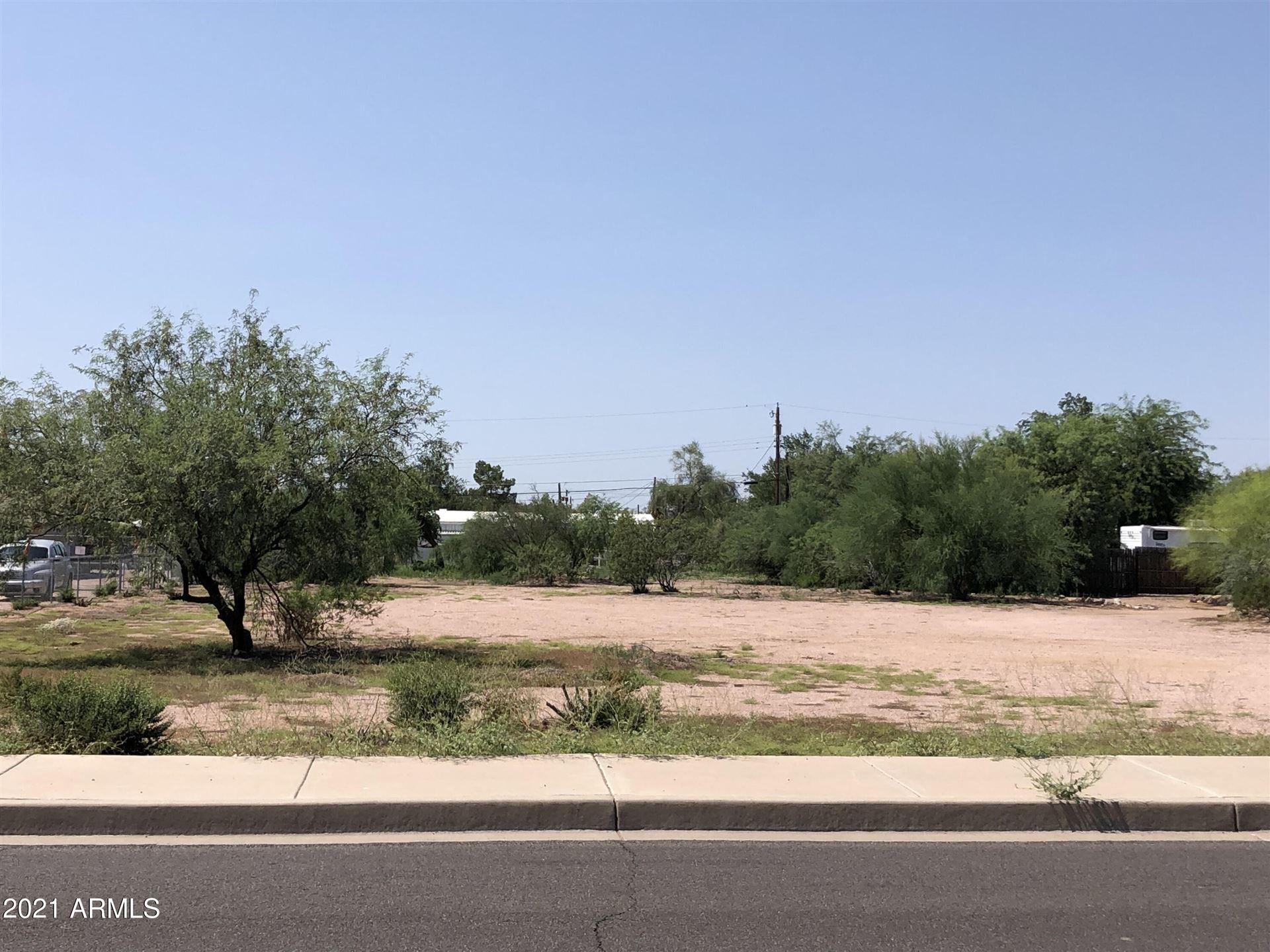 Photo of 412 N IRONWOOD Drive, Apache Junction, AZ 85120 (MLS # 6296559)
