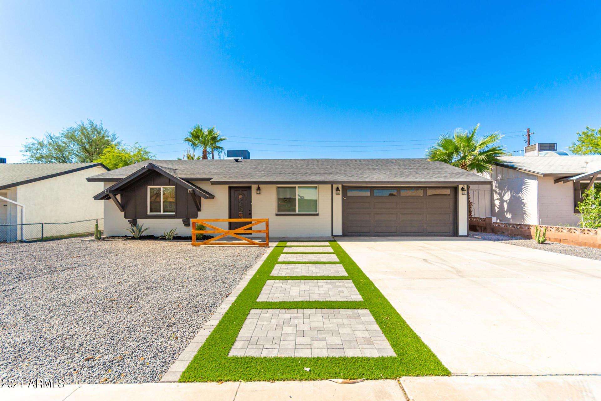 Photo of 605 E PAPAGO Drive, Tempe, AZ 85281 (MLS # 6272560)