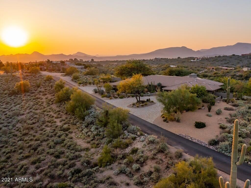 Photo of 38220 N SOMBRERO Road, Carefree, AZ 85377 (MLS # 6292560)