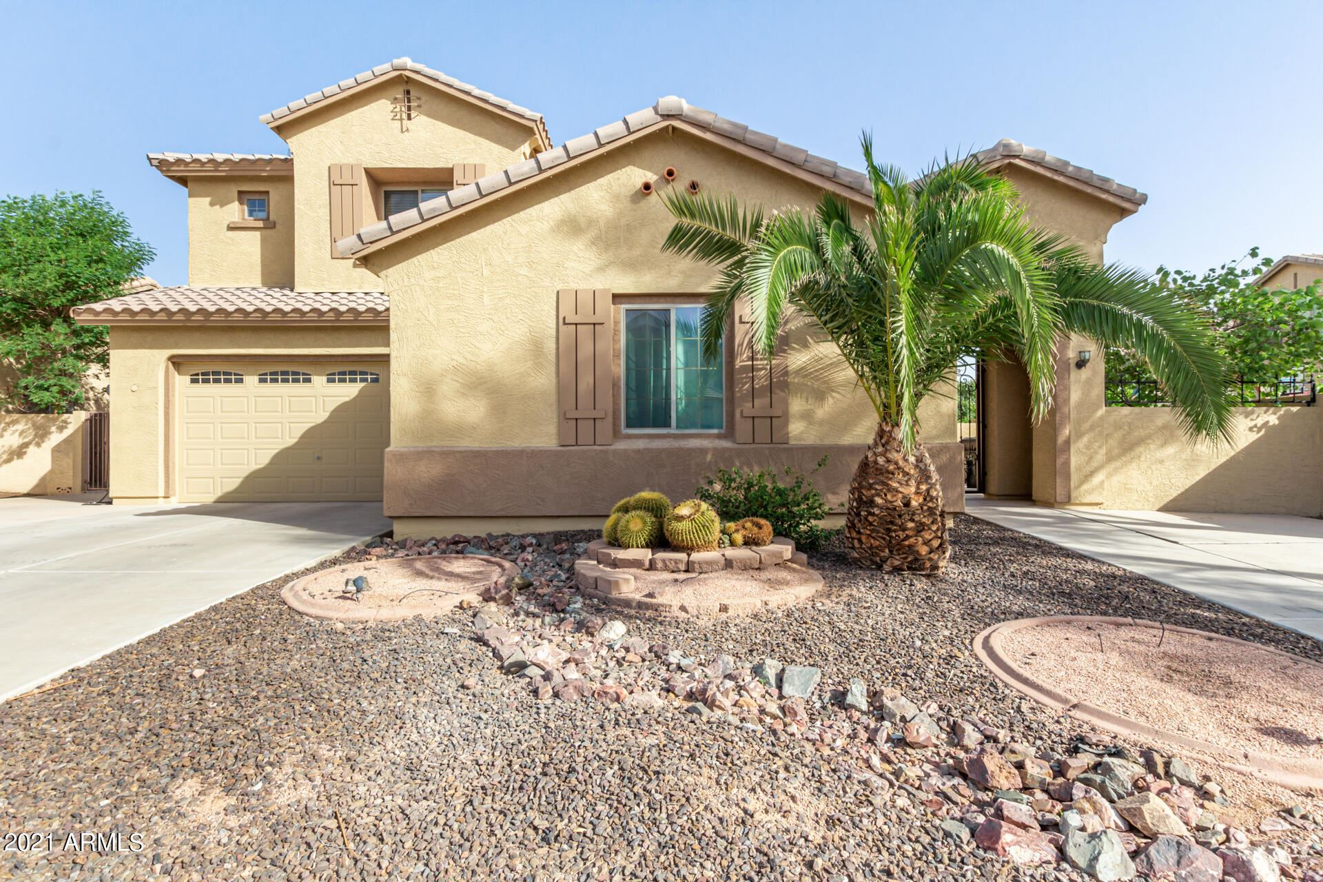 Photo of 13250 W MONTEREY Way, Litchfield Park, AZ 85340 (MLS # 6306563)