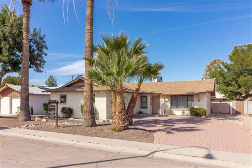 Photo of 8514 E CHAPARRAL Road, Scottsdale, AZ 85250 (MLS # 6040567)