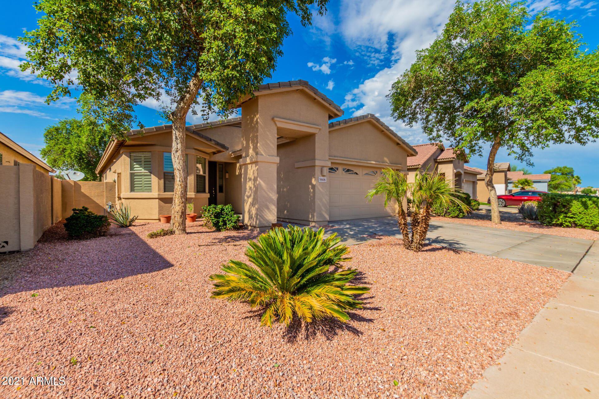 Photo of 5606 W ST ANNE Avenue, Laveen, AZ 85339 (MLS # 6304570)