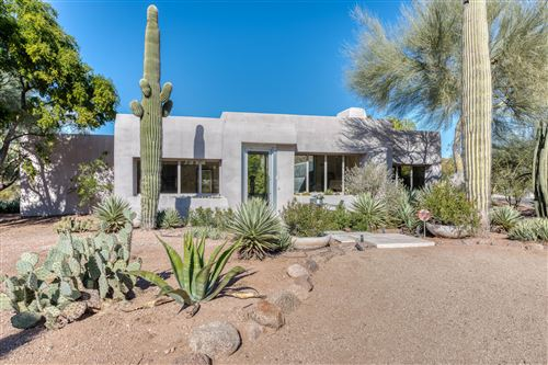 Photo of 6124 N Camelback Manor Drive, Paradise Valley, AZ 85253 (MLS # 6008571)