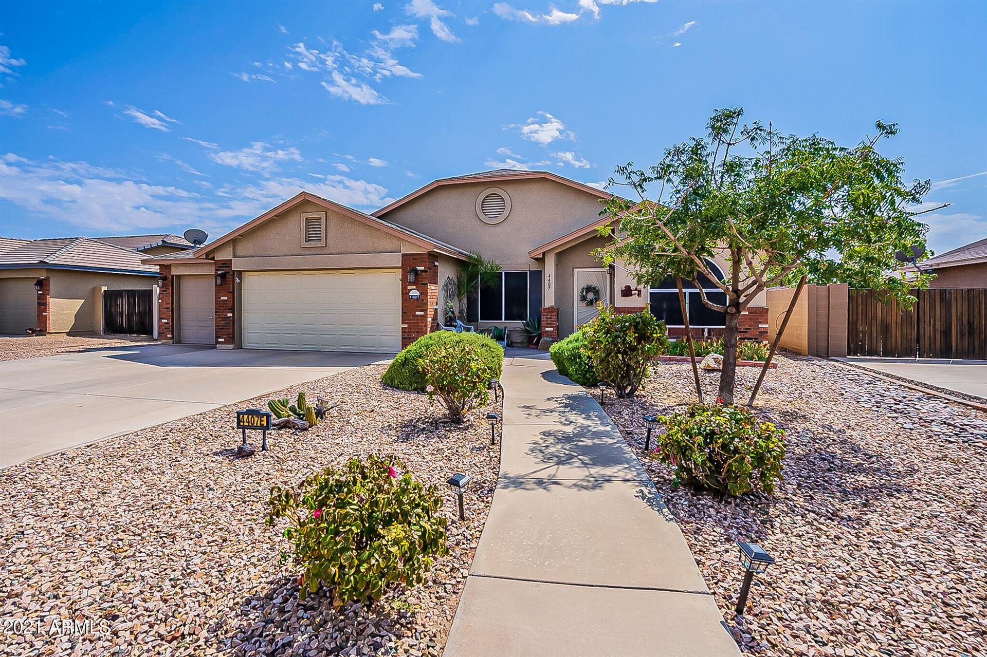 Photo of 4407 E SHETLAND Drive, San Tan Valley, AZ 85140 (MLS # 6295579)