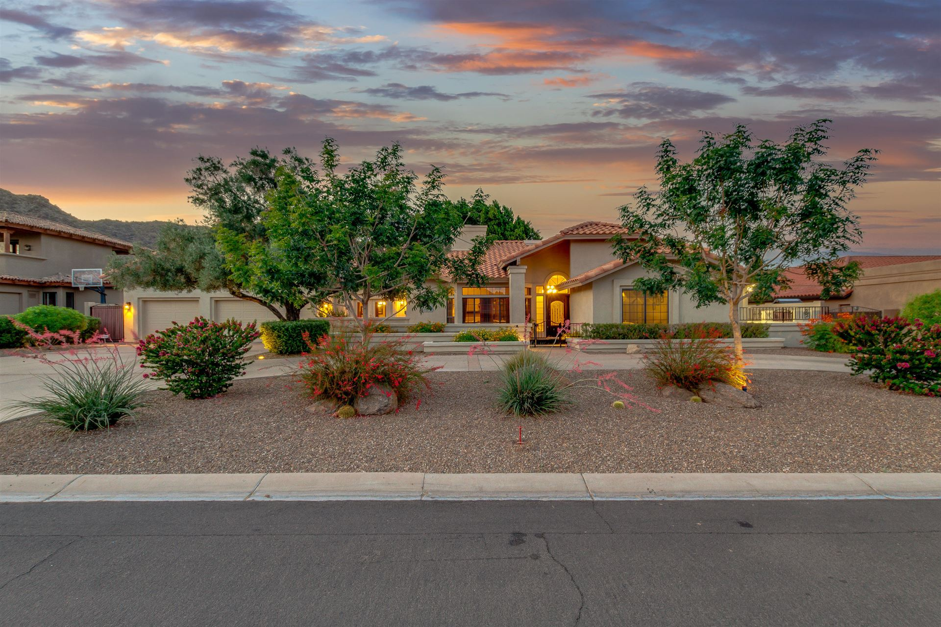 Photo of 3538 E KACHINA Drive, Phoenix, AZ 85044 (MLS # 6230581)