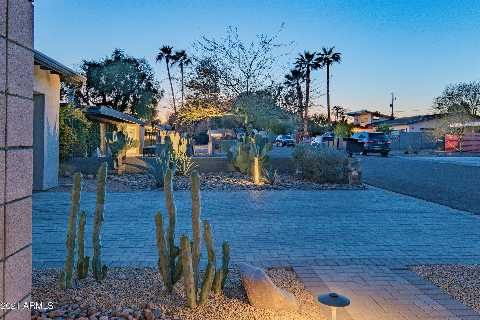 Photo of 5024 N 71ST Place, Paradise Valley, AZ 85253 (MLS # 6201585)