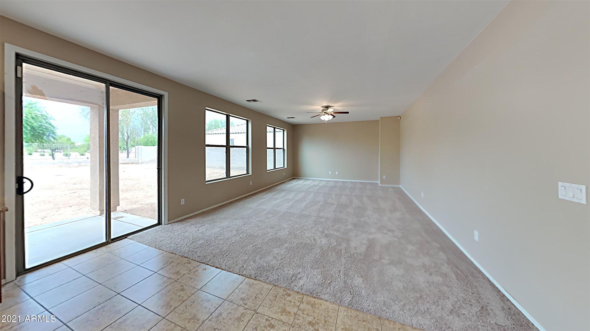 Photo of 10124 W RAYMOND Street, Tolleson, AZ 85353 (MLS # 6270590)