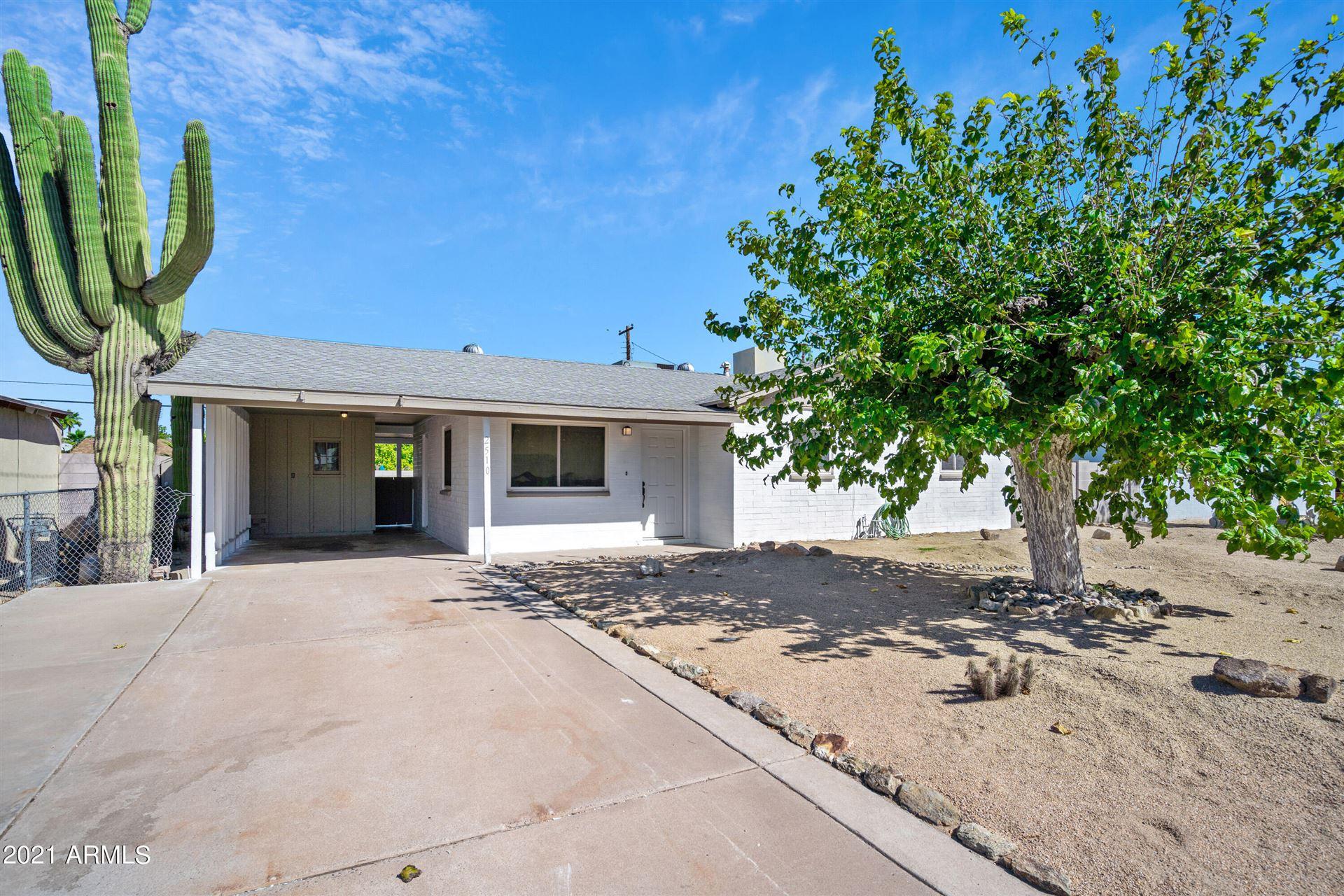 Photo of 2510 W CARSON Drive, Tempe, AZ 85282 (MLS # 6306590)