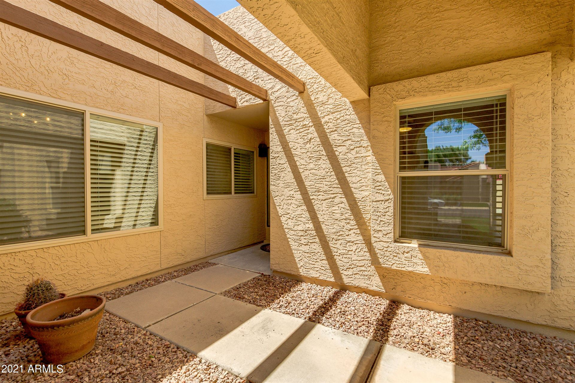 Photo of 896 W STERLING Place, Chandler, AZ 85225 (MLS # 6230601)