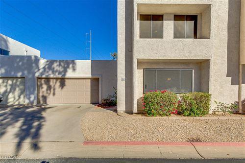 Photo of 2614 W CANYON CREST Circle, Phoenix, AZ 85023 (MLS # 6163602)