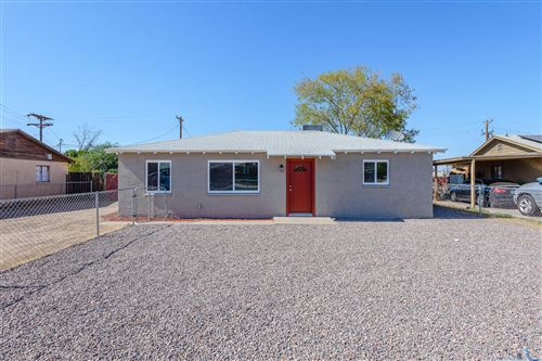 Photo of 1648 E SUNLAND Avenue, Phoenix, AZ 85040 (MLS # 6100610)