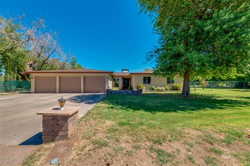Photo of 8018 W ACOMA Drive, Peoria, AZ 85381 (MLS # 6095616)