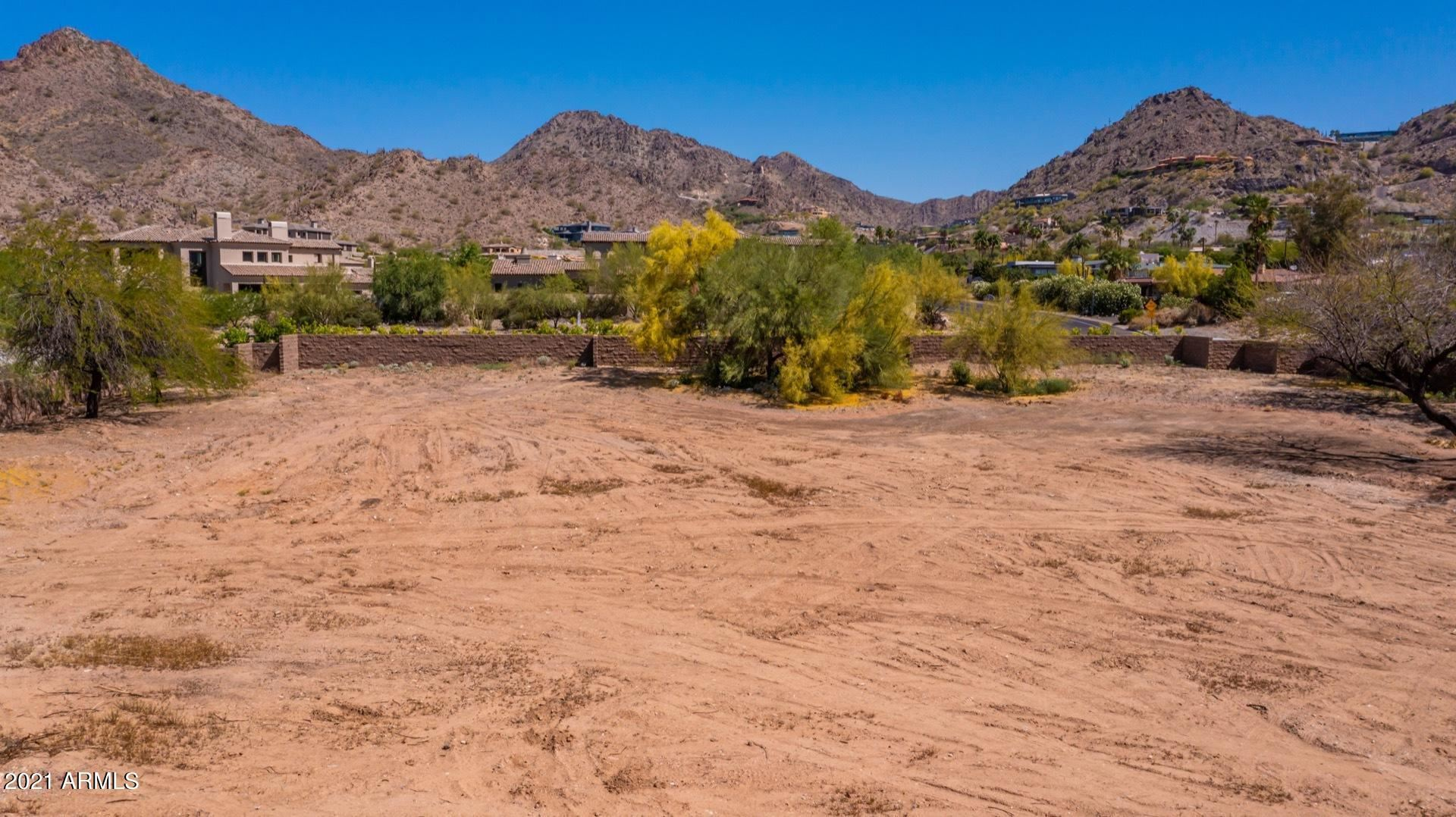 Photo of 6219 N Paradise View Drive, Paradise Valley, AZ 85253 (MLS # 6231616)