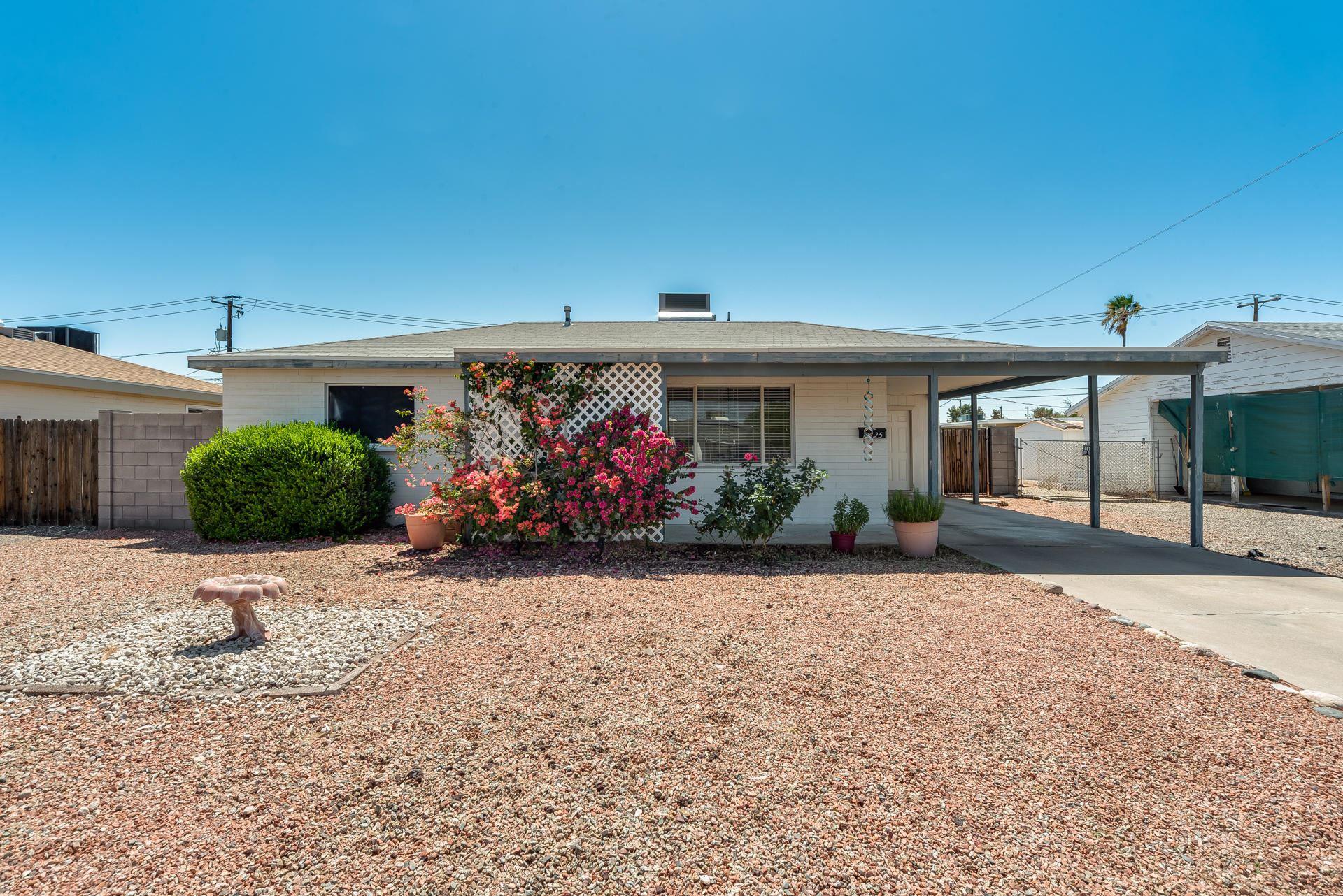 Photo of 11125 W OREGON Avenue, Youngtown, AZ 85363 (MLS # 6226625)