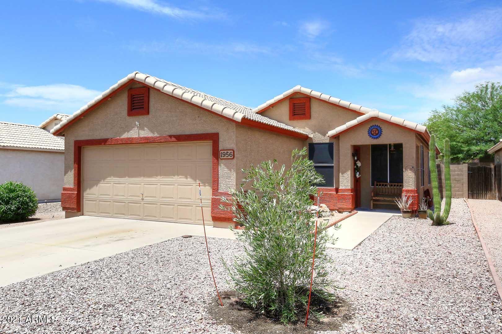 Photo of 1956 W 21St Avenue, Apache Junction, AZ 85120 (MLS # 6267626)
