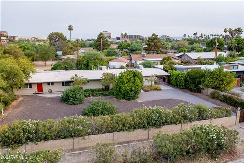 Photo of 6939 E CHAPARRAL Road, Paradise Valley, AZ 85253 (MLS # 6250627)