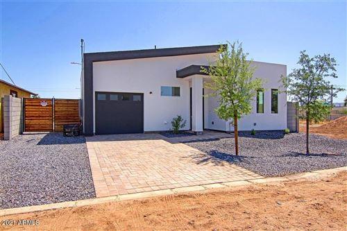 Photo of 1233 S 15TH Drive, Phoenix, AZ 85007 (MLS # 6224630)