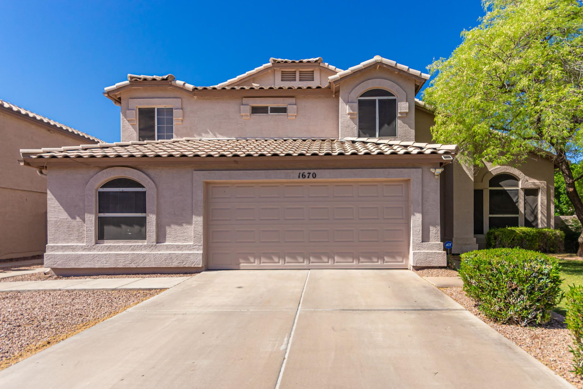 Photo of 1670 W HOUSTON Avenue, Gilbert, AZ 85233 (MLS # 6231631)