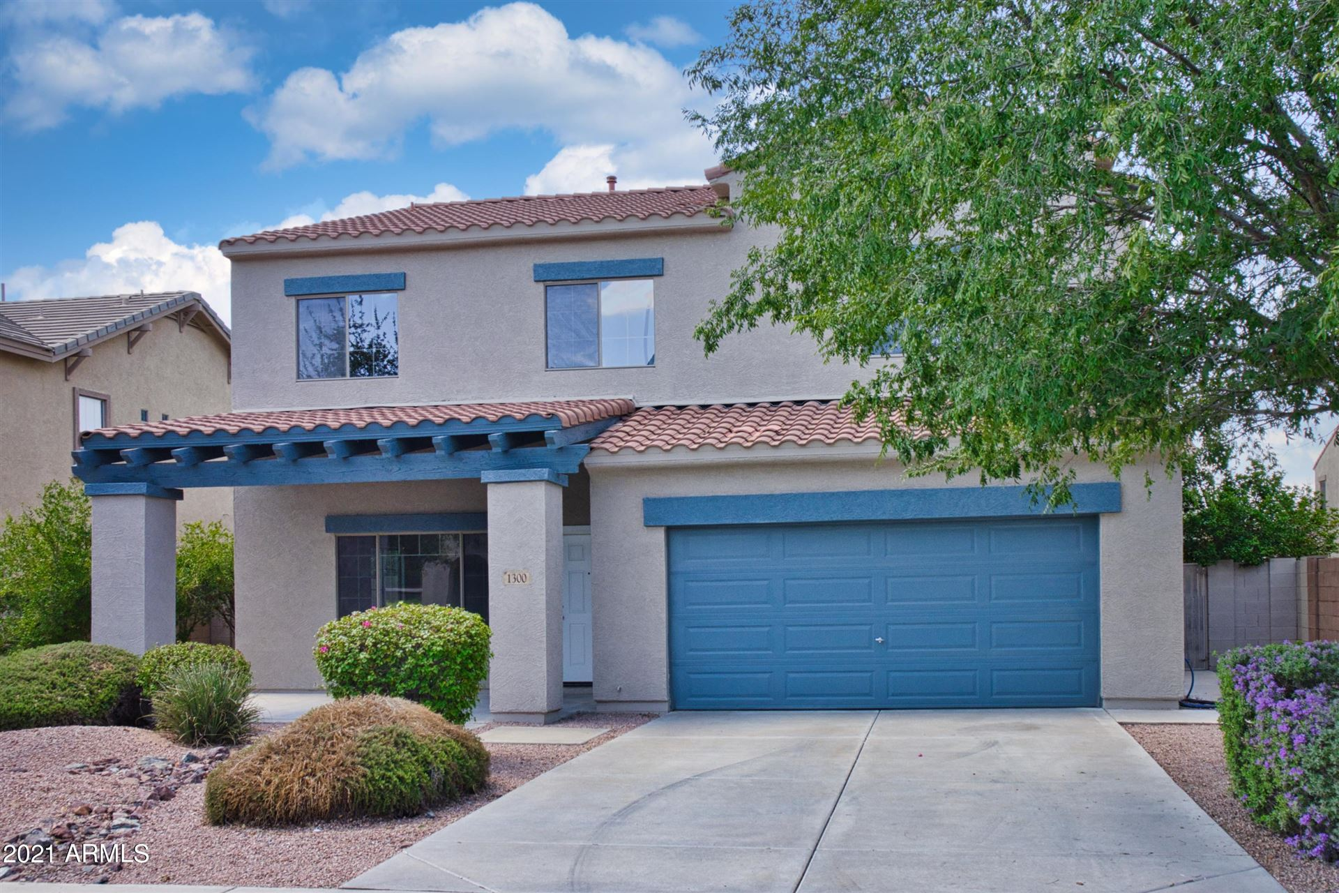 Photo of 1300 E PARKVIEW Drive, Gilbert, AZ 85295 (MLS # 6253637)