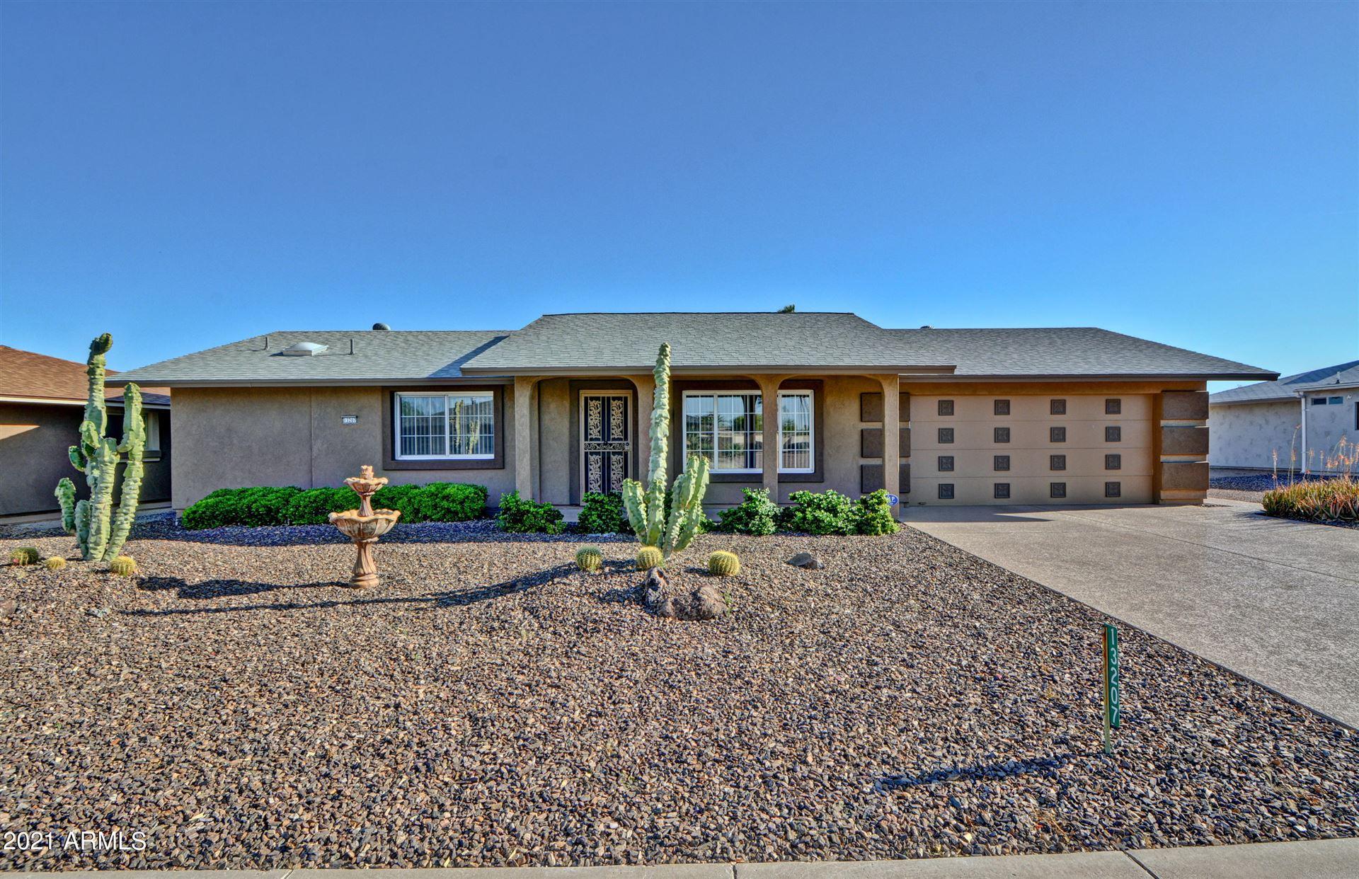 Photo of 13207 W HYACINTH Drive, Sun City West, AZ 85375 (MLS # 6218641)