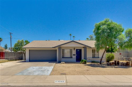 Photo of 3233 W MANDALAY Lane, Phoenix, AZ 85053 (MLS # 6100643)