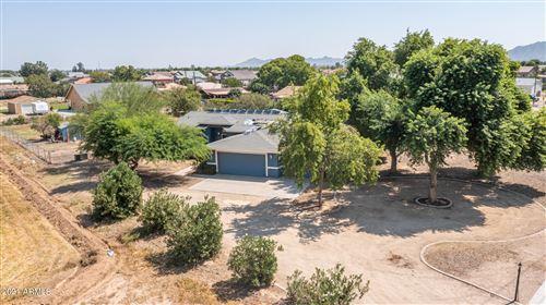 Photo of 5167 S GREENFIELD Road, Gilbert, AZ 85298 (MLS # 6294647)