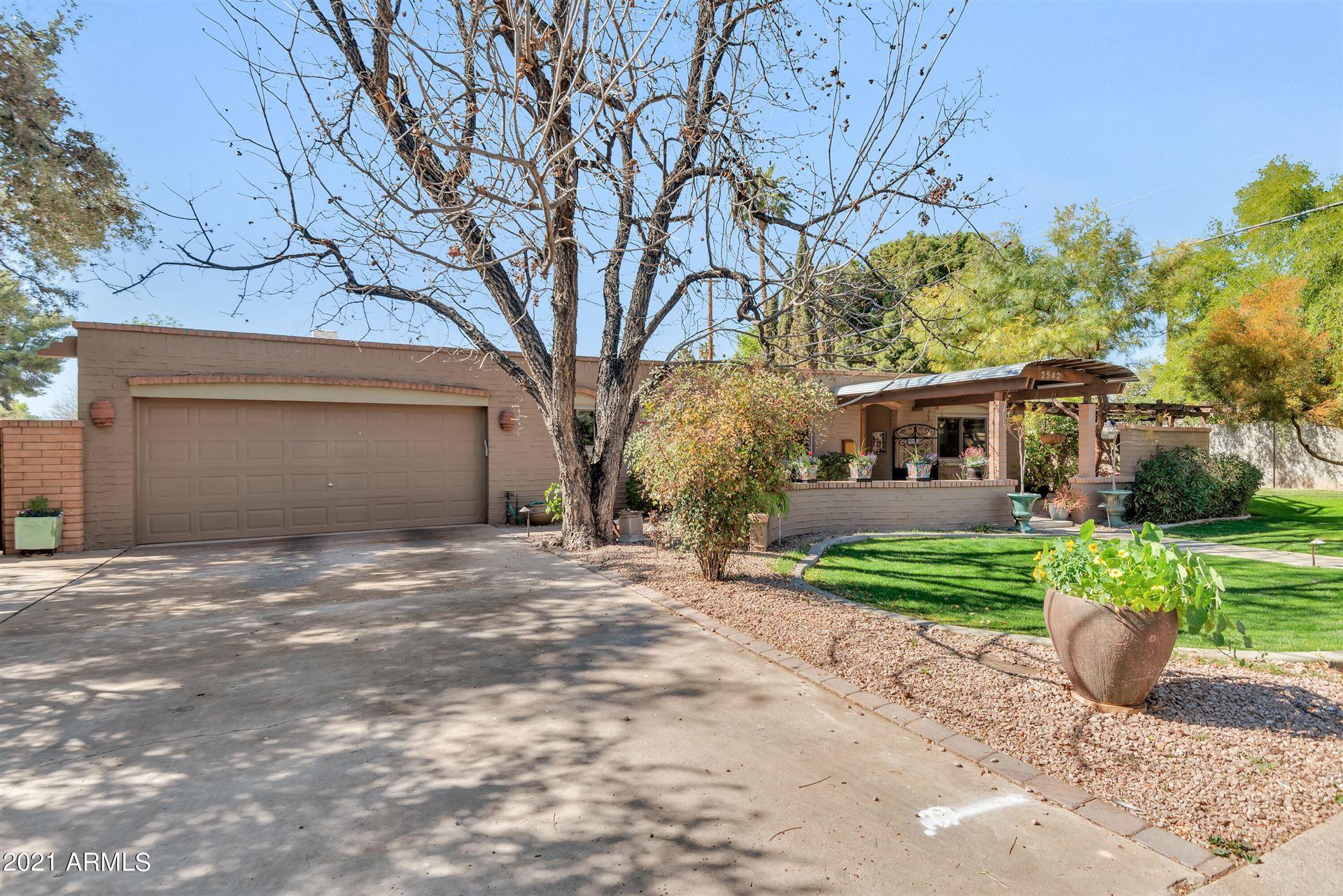 Photo of 2542 N 42ND Street N, Phoenix, AZ 85008 (MLS # 6202658)