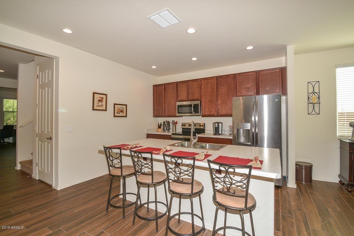 Photo of 929 E DAVIS Lane, Avondale, AZ 85323 (MLS # 6266661)