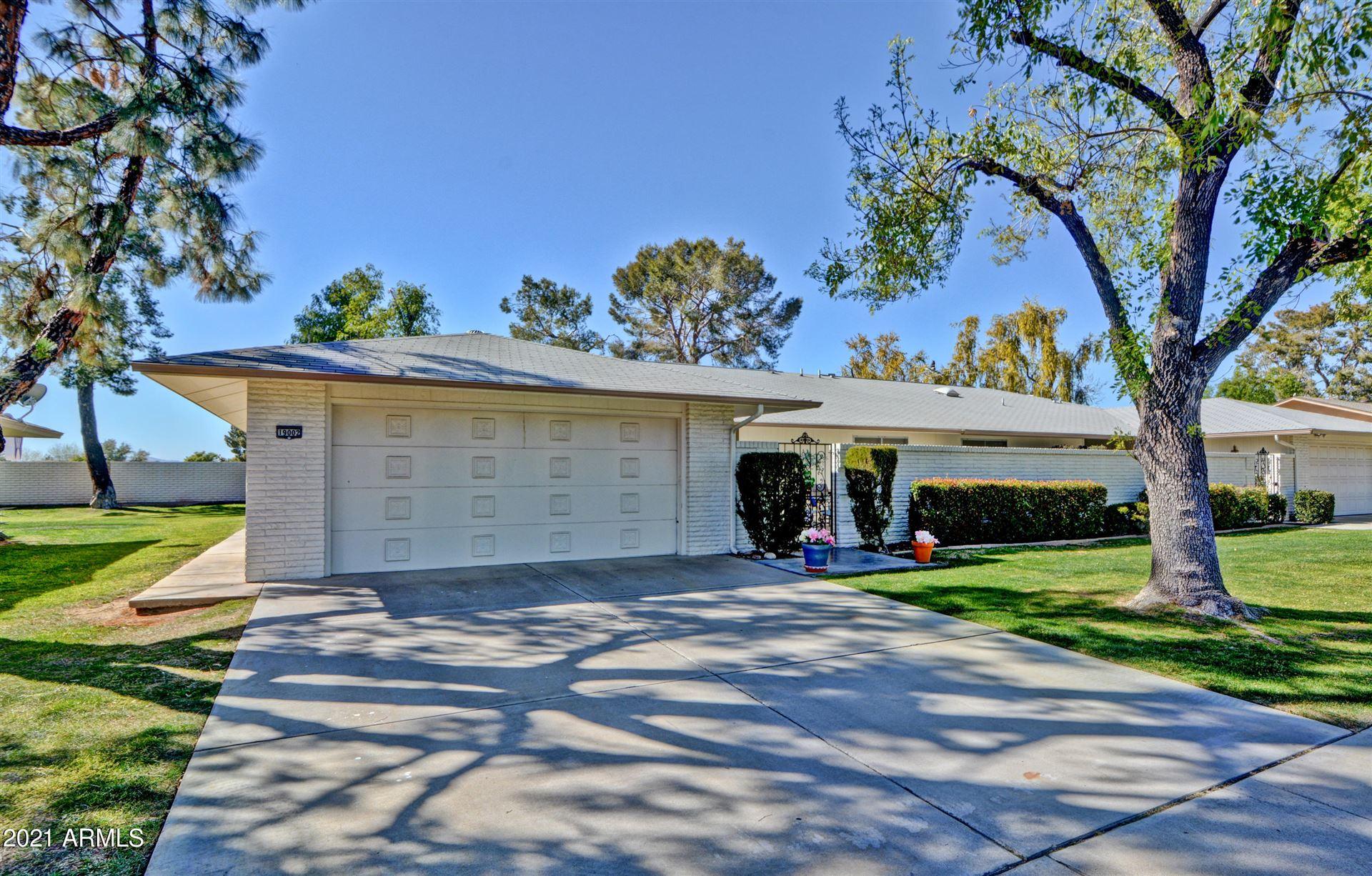 Photo of 19002 N LAKE FOREST Drive, Sun City, AZ 85373 (MLS # 6196666)