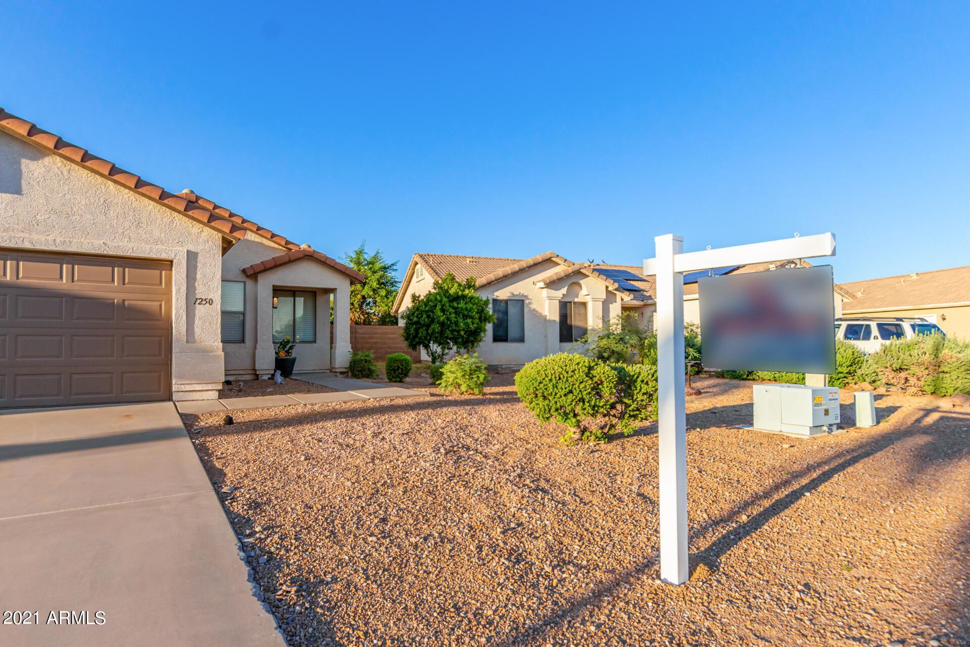 Photo of 1250 W 7TH Avenue, Apache Junction, AZ 85120 (MLS # 6304668)