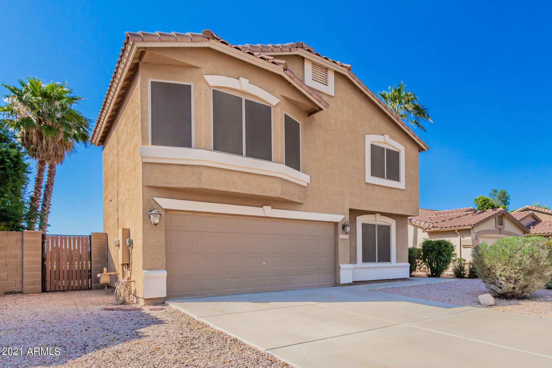 Photo of 1576 S WESTERN SKIES Drive, Gilbert, AZ 85296 (MLS # 6307668)