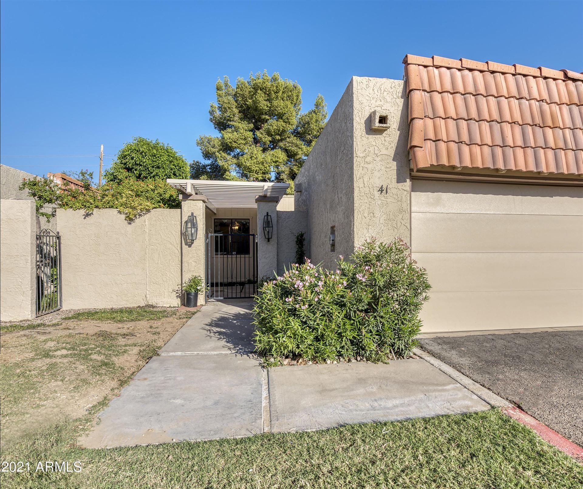 Photo of 5100 N MILLER Road #41, Scottsdale, AZ 85250 (MLS # 6307671)