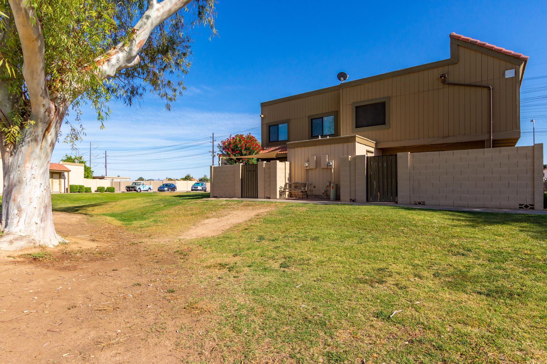 Photo of 1014 E DIAMOND Drive, Tempe, AZ 85283 (MLS # 6233674)
