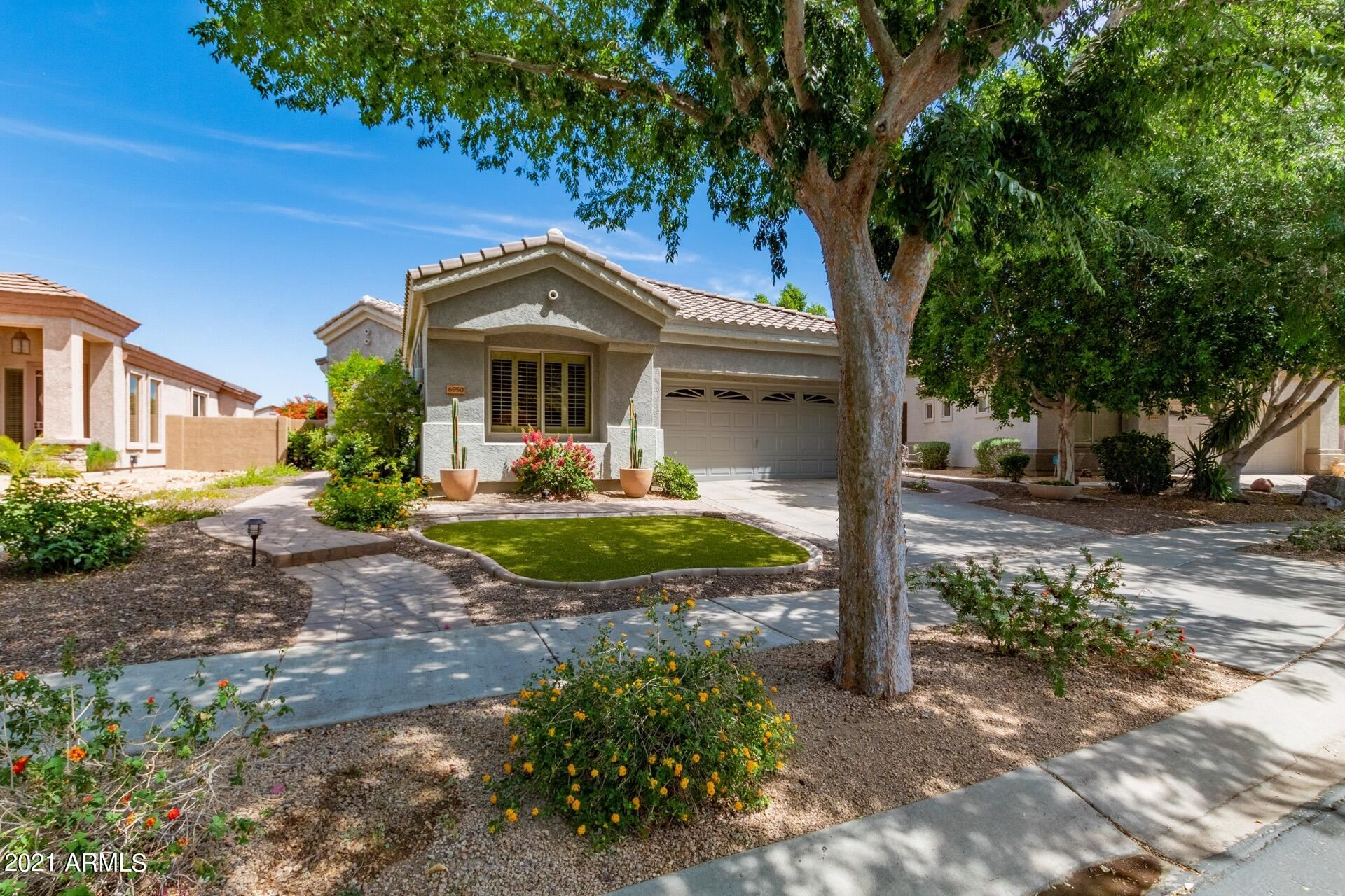 Photo of 6950 W ROSE GARDEN Lane, Glendale, AZ 85308 (MLS # 6233679)