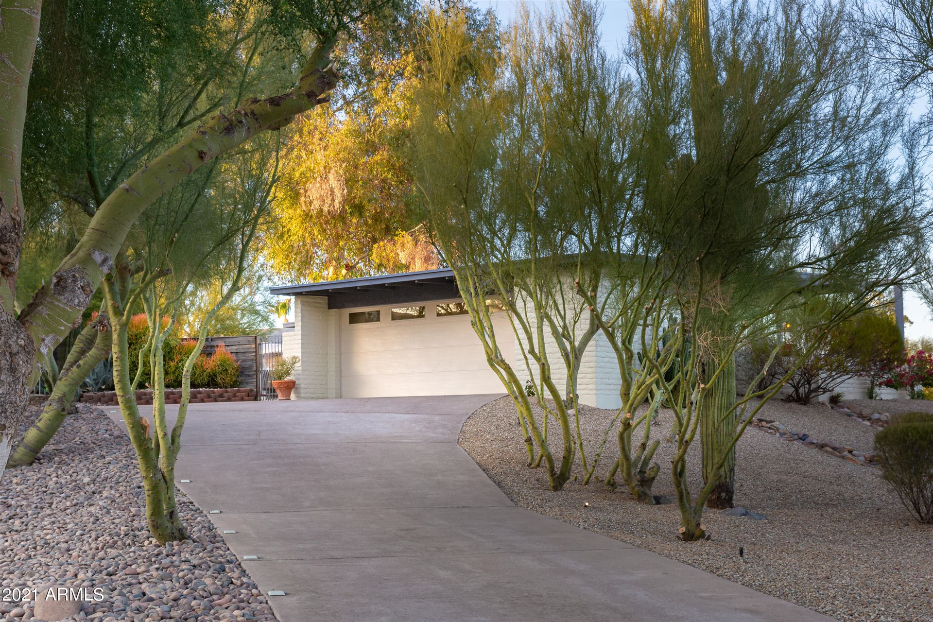 Photo of 17018 E WINDCHIME Drive, Fountain Hills, AZ 85268 (MLS # 6230705)