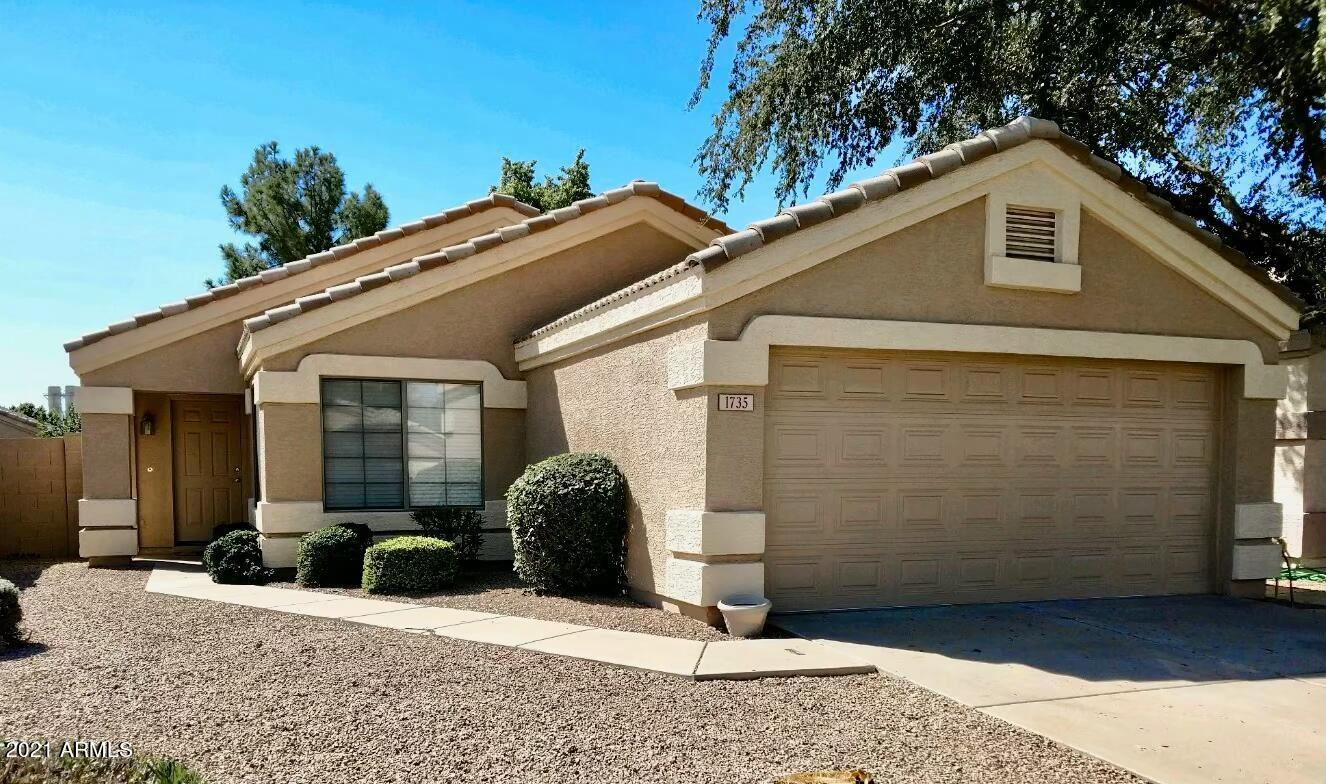 Photo of 1735 E SARATOGA Street, Gilbert, AZ 85296 (MLS # 6302707)